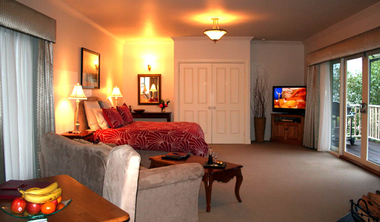 Luxury accommodation, Marysville, Havelock Suite